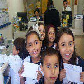 Visita ao Correio – alunos dos 3ºs anos do Ensino Fundamental.
