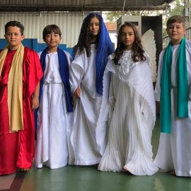 Segmentos Kids e Júnior participam da Celebração da Páscoa